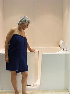 SeniorSafe Bathtubs - a true walk-in tub